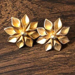 Jewelry - Golden Flower Earrings